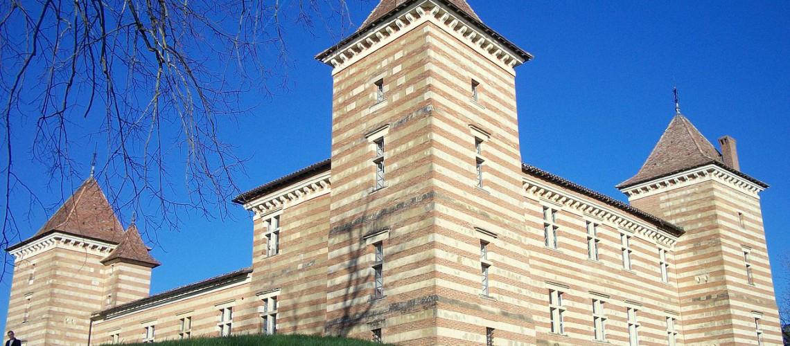 1280px-Château_de_Laréole_(Haute-Garonne,_France)